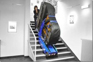 Pianolift transportiert einen Flügel
